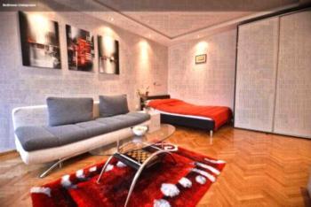 ARTpartment - Apartment mit 1 Schlafzimmer und Balkon