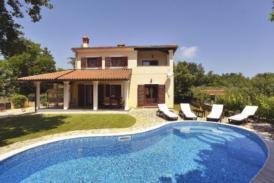Exklusive Villa in ruhiger Lage, Whirlpool, überdachte Terrasse, Kamin