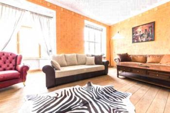 Raekoja Square Apartment - Apartment mit 2 Schlafzimmern und Sauna