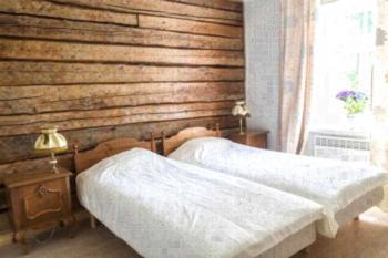 Haapsalu Guesthouse - Familienzimmer mit eigenem Bad