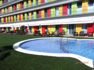 Apartamentos Sitges Park - Apartment mit Poolblick