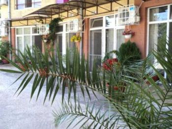 Meni Apartments and Guest Rooms - Apartament z balkonem