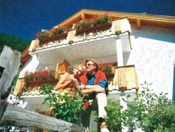 Ferienwohnung Appartements Lärchenhof, (Samnaun-Compatsch). Appartements Lärchenhof Nr. 5