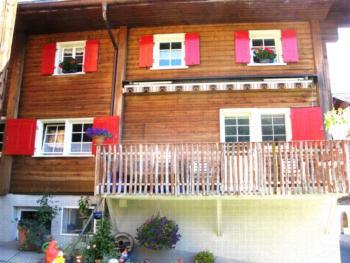 Ferienwohnung Cavegn-Curschellas Venanzi, (Camischolas). Ferienwohnung mit Bad/Dusche/WC, für max. 8 Personen 134.01