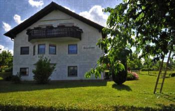 Kirschenhof (Bad Bellingen). Ferienwohnung Kirschbaum, 42qm, 1 Schlafzimmer, max. 2 Personen