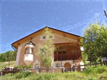 Ferienhaus Chasa Silva, (Lüsai). Ferienwohnung für 4 Personen
