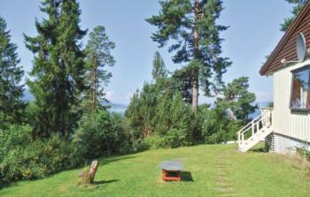 Holiday home Krokkleiva