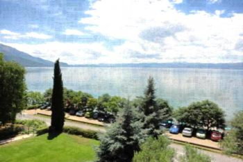 Guest House Sandra Lagadin - Apartment mit Balkon