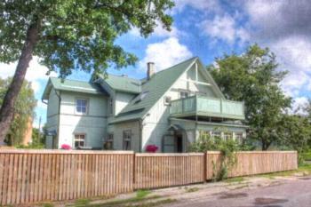 Kassimaja Guesthouse - Apartment mit Balkon