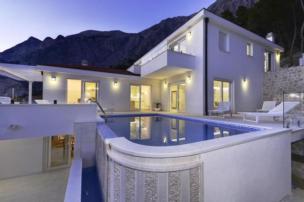 Luxus Villa in Dalmatien mit Infinity Pool und Sauna