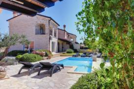 Exklusives Ferienhaus mit 2 Saunen, Jacuzzi und beheiztem Pool