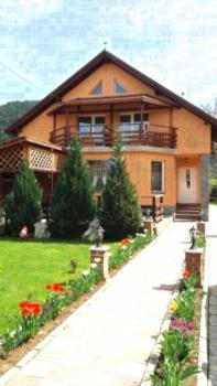 Pensiunea Cold Mountains - Familienzimmer mit Gemeinschaftsbad