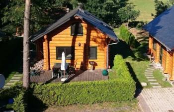 Ferienhaus Drossel, urgemütliches Blockbohlenhaus, 3 Schlafzimmer, 2 Bäder, Kaminofen - mitten in der Natur - Ruhe und Erholung