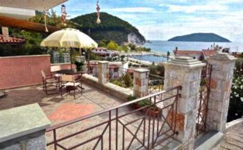 Nina Apartments - Studio with Balcony