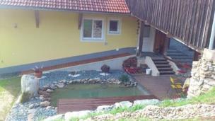 Exklusives Ferienhaus in Feldkirchen mit Bergblick, Schwedenofen, Fahrräder auf Anfrage, 1. Frühstück inkl.