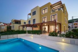Luxusvilla auf der Insel Čiovo, direkt am Meer, Süßwasserpool, Klimaanlage, Terrasse, Fährverbindung nach Split