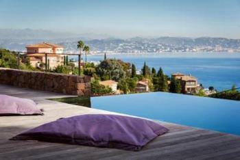Luxusvilla mit Meerblick, 160 qm Terrasse, Infinitypool, Whirlpool, 5 Min zum Strand