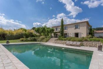 Modere Landhausstil Villa, wenige Min von Aix-en-Provence, kl. Kino- und Spielzimmer, Hammam, Hollywoodschaukel, Bowlingfläche, Tischtennisplatte
