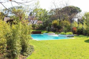 Exklusive Villa inkl. separatem Apartment in ruhiger Lage, großzügiger Garten, 10 Min von Aix-en-Provence
