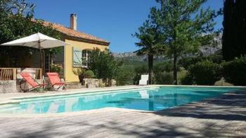 Exklusive Landhaus Villa mit Blick auf den Sainte-Victoire Berg, Pool (11x4,5m), 15 Autominuten von Aix-en-Provence