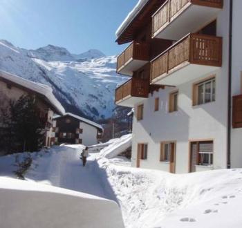 Ski In / Out 2 Minuten von der Piste (sonnigen Sommerparadies auch!) 4 min zentralen Saas Fee