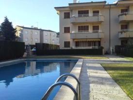 Apartment Llenaire Pool