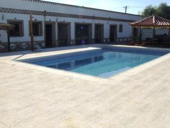 Villa mit 4 Schlafzimmern und privatem Pool und Jacuzzi