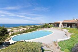 Exklusive Villa mit privatem Pool und Meerblick