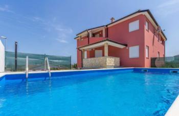 Moderne Villa in ruhiger Gegend 500 m vom Meer, gr. Sonnenterrasse