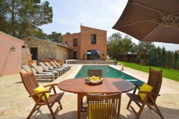 Luxuriöse Villa auf 25.000m² Grundst. mit Eco-Gemüsegarten und Klimaanlage
