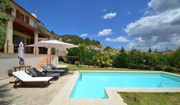 Villa im Fincastil mit tollem Panoramablick auf umliegende Landschaft für 8 Pers.