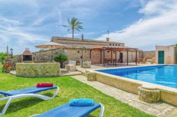 Ferienhaus bei Vilafranca in traumhaft ruhiger Lage mit Pool und Wifi