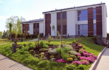 Modernes, lichtdurchfl. Ferienhaus fuer 4 Pers. mit Golfplatz Blick