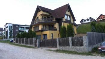 Vila Uniqato - Studio mit Terrasse