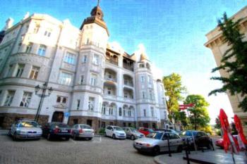 Bishop Apartments - Apartment mit Balkon