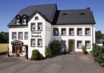 """Weingut-Gästezimmer """"Fröhliches Weinfass"""" 5-Bettwohnung"""