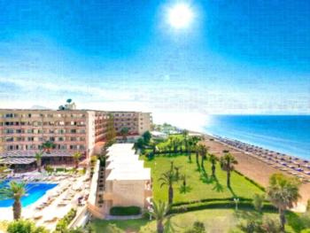 Sun Beach Resort Complex - Apartment mit Gartenblick (4 Erwachsene)
