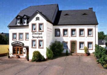 Gästehaus Weingut - Fröhliches Weinfass - Apartment (4 Erwachsene)
