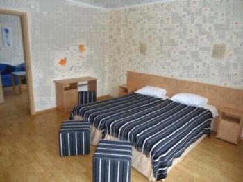 Villa Artis - Familienzimmer (2 Erwachsene + 2 Kinder)