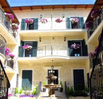 Aurelia Vatican Apartments - Superior Apartment mit 1 Schlafzimmer mit Balkon (3 Erwachsene)