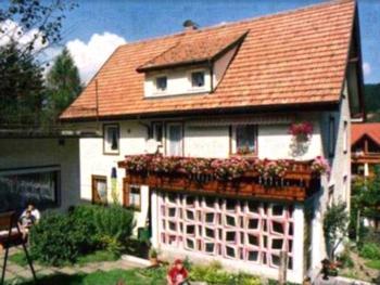 Haus Marianne Duffner, (Schonach). Ferienwohnung 2, 56qm, 2 Schlafräume, 1 Wohn-/Schlafraum, max 4. Personen