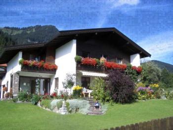 """Haus Brunelle - Familie Schwaiger Apartm.""""Salzburg""""-1 Schlafraum/DU,WC,TV,"""