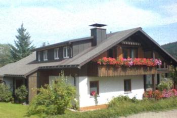 Haus Walter Ott (St Blasien). Nichtraucher-Ferienwohnung 50qm, 1 Schlafraum, max. 3 Erwachsene und 1 Kind