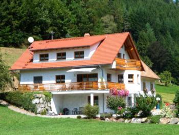 Haus Sum (Oberwolfach). Ferienwohnung I mit ca. 96qm, max. 7 Personen
