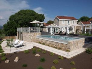 Villa Drvenik