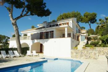 Magnificent Villa near sea, Alcanada golf, pool, 10 pax.