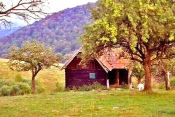 ••• COZO FANTU ••• urige Berghütte in den Hochwiesen der Karpaten bei Sibiu-Hermannstadt, Transsilvanien-Siebenbürgen
