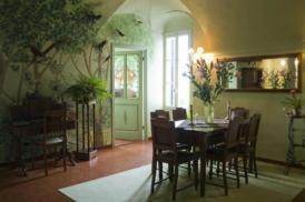 Exklusives Apartment in einem Bergdorf mit Meerblick, gr. Terrasse, TV