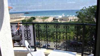 Eternity Home Studios - Apartament typu Studio z balkonem z częściowym widokiem na morze