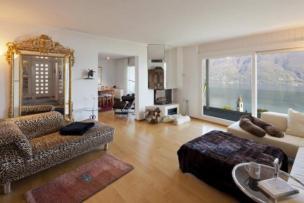 Frei stehendes Einfamilienhaus, ein kleines Bijou mit Sicht über den ganzen Lago Maggiore
